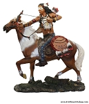 Indian on a Horse Statue/Indio en Caballo